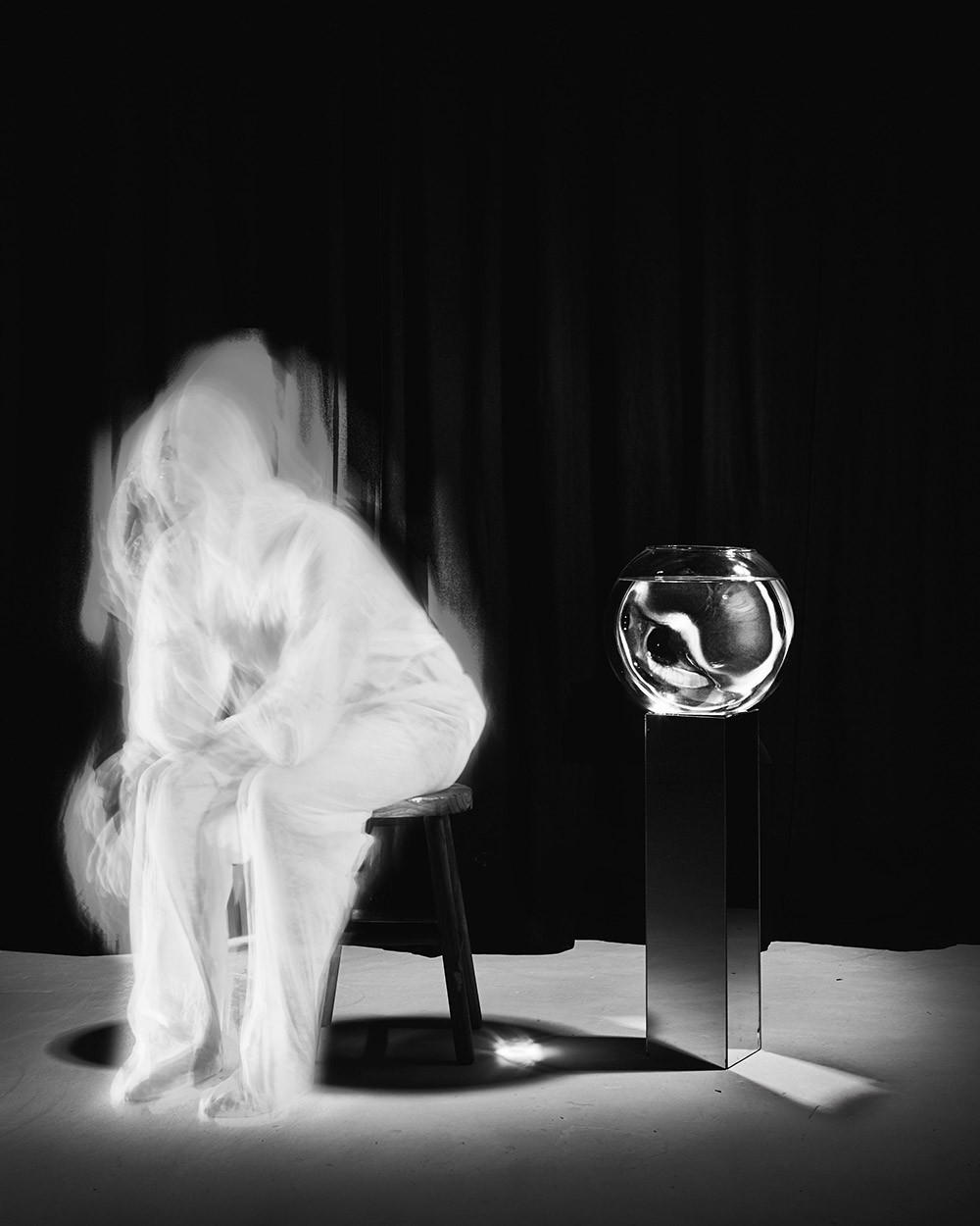 Kyu Sang Lee Ein kleines Nachtfoto No.2 2018 Hahnehmuhle Baryta 12 x 15 cm