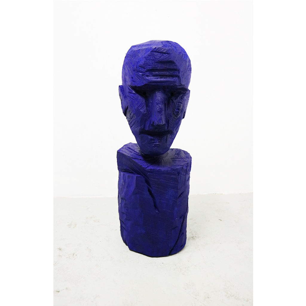 Lars J Fischedick, Gustaf, 2018, carved wood and tempera, 29 x 26 x 70 cm