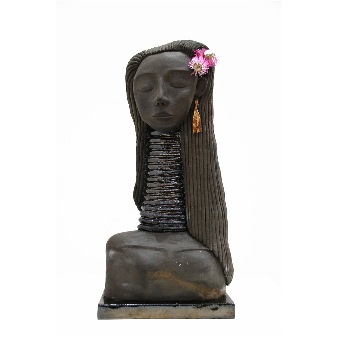 Nava Derakhchani Sheba 2019 Mixed media ceramic sculpture 22.5 x 10.5 x 44 cm
