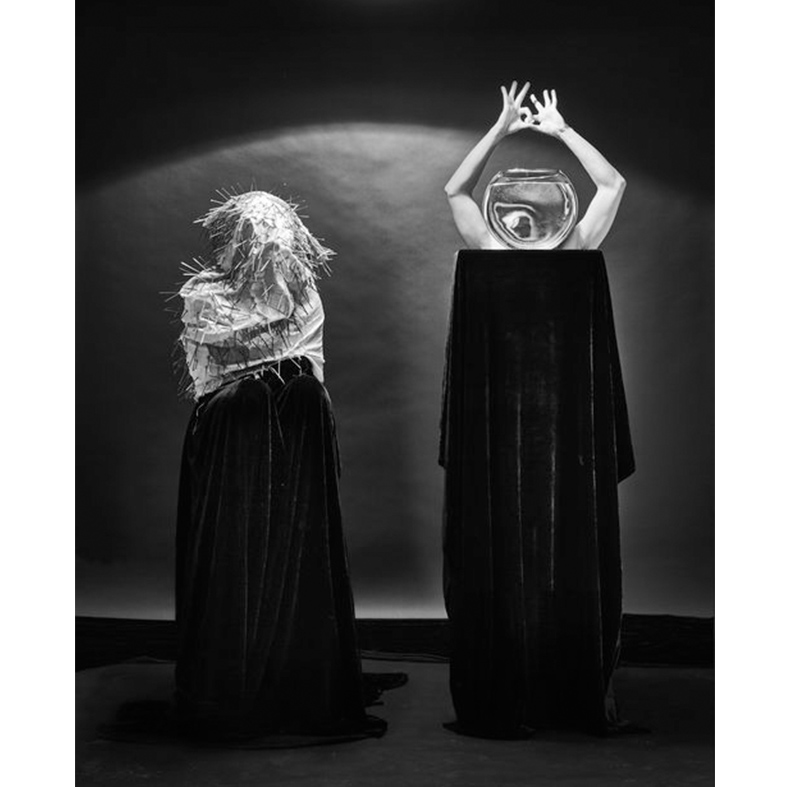 Kyu Sang Lee, Dancing Along Alone 2017 Archival light jet 59.4 x 42 cm